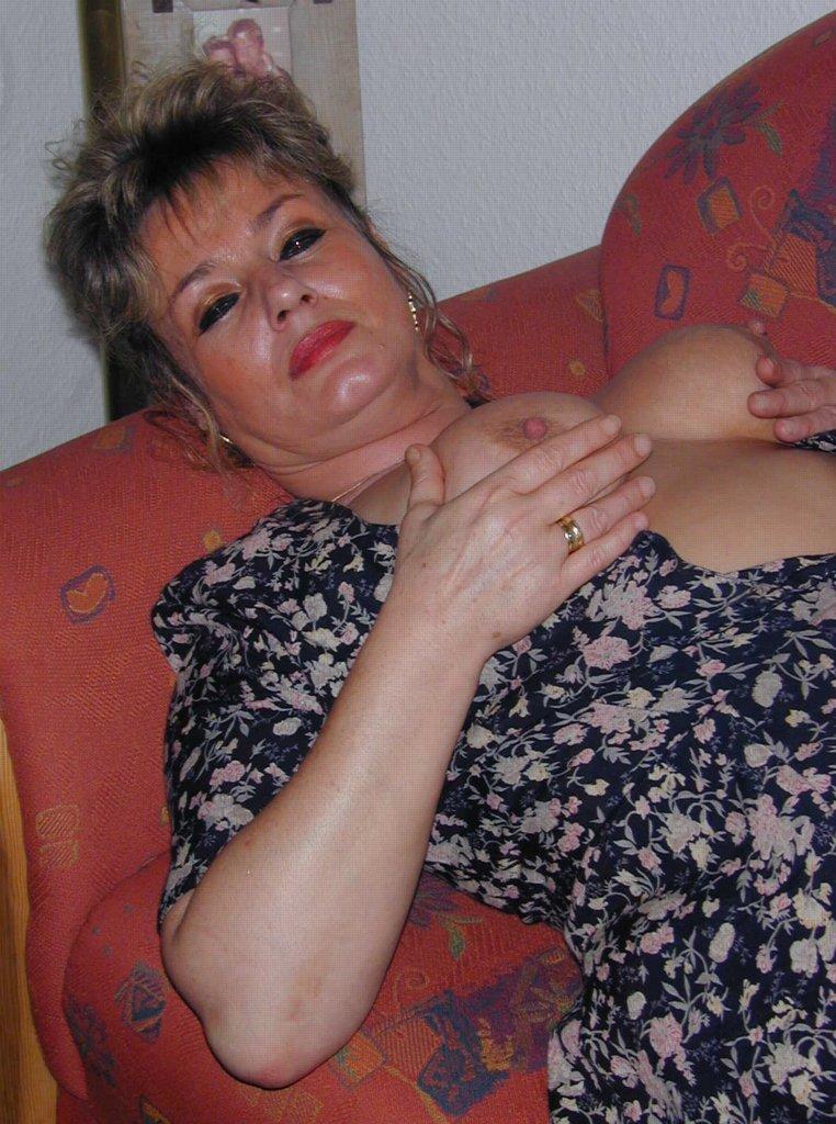 Reife Frau sucht jungen Geliebten